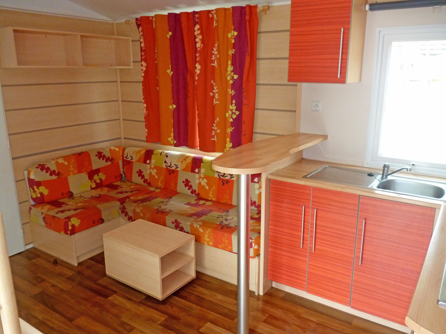 Camping Le bois de pins – LE GRAND CHARME is a Mobil-home with 3 bedrooms for 6 to 8 people